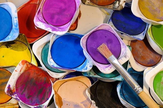 barvy v kelímkách