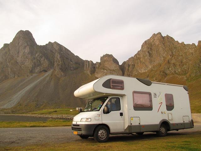 karavan v horách