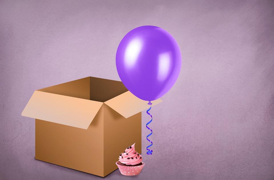 krabice s balonkem